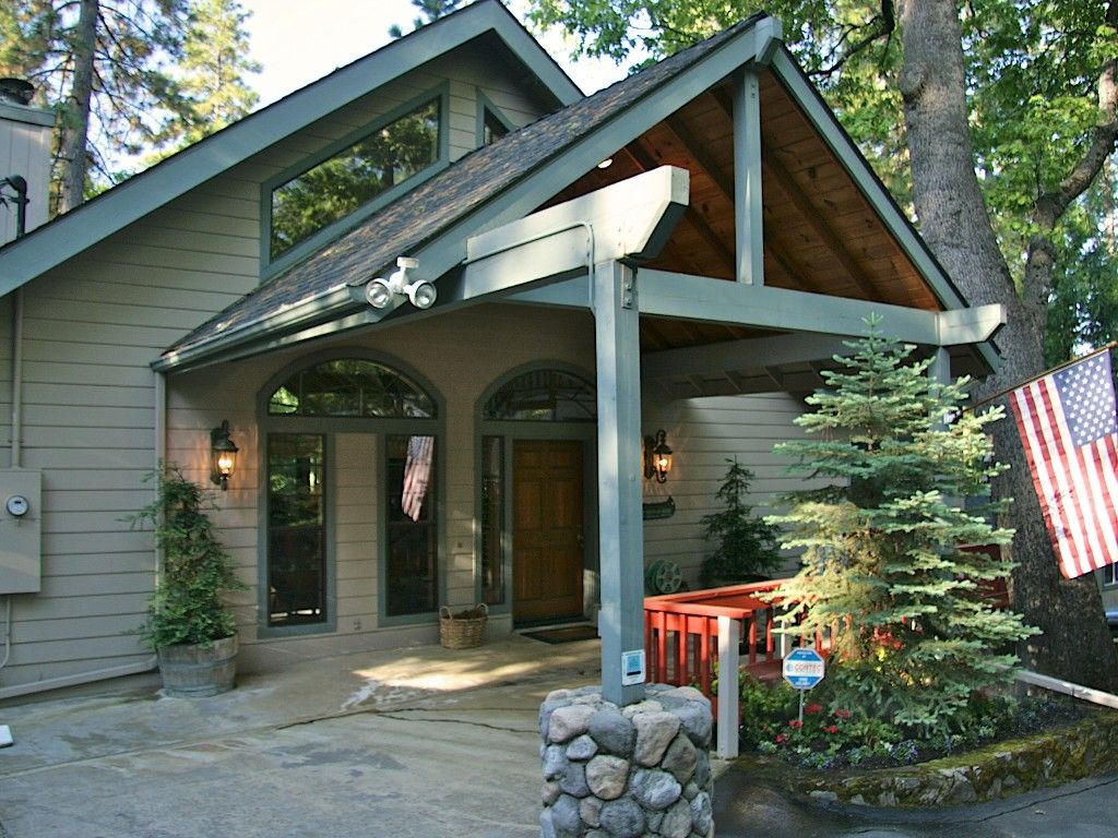 Bass Lake Vacation Rental - VRBO 383771 - 5 BR Yosemite Area House in CA, Luxurious Willow Cove Home - Expansive Lake Views - Boat Slip