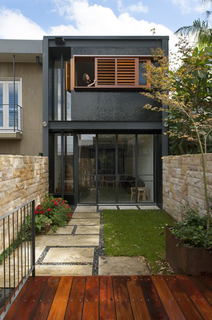 9ea667564edb6d9eef76569a3cf7ed87 - 44+ Up And Down Small House Design With Terrace Pictures