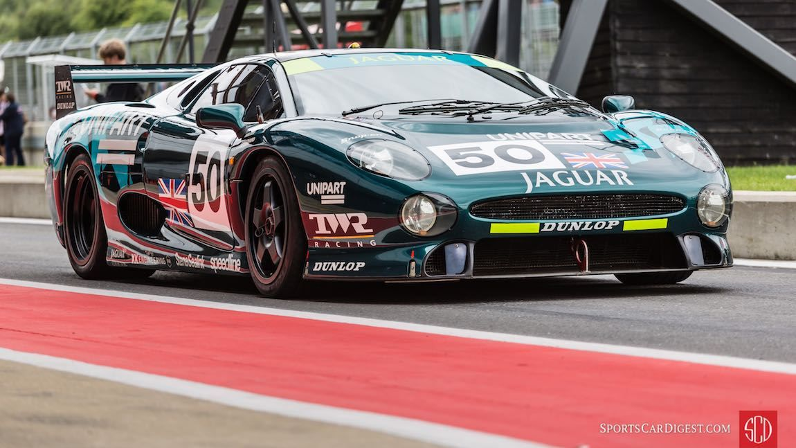 TWR Racing Jaguar XJ220   Jaguar xj220, Jaguar, Classic cars