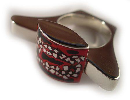 Tipos de acabamentos de jóias, laca japonesa