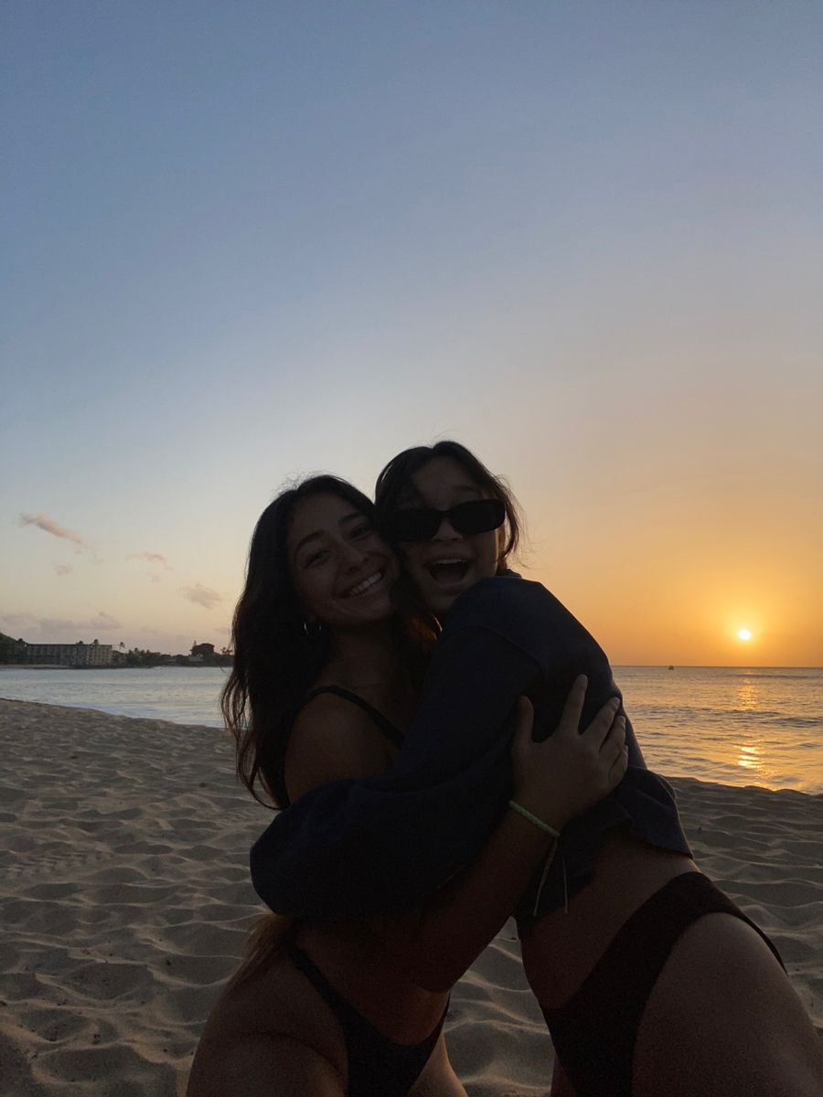 sisterr in 20   Summer pictures, Summer photos, Beach photos