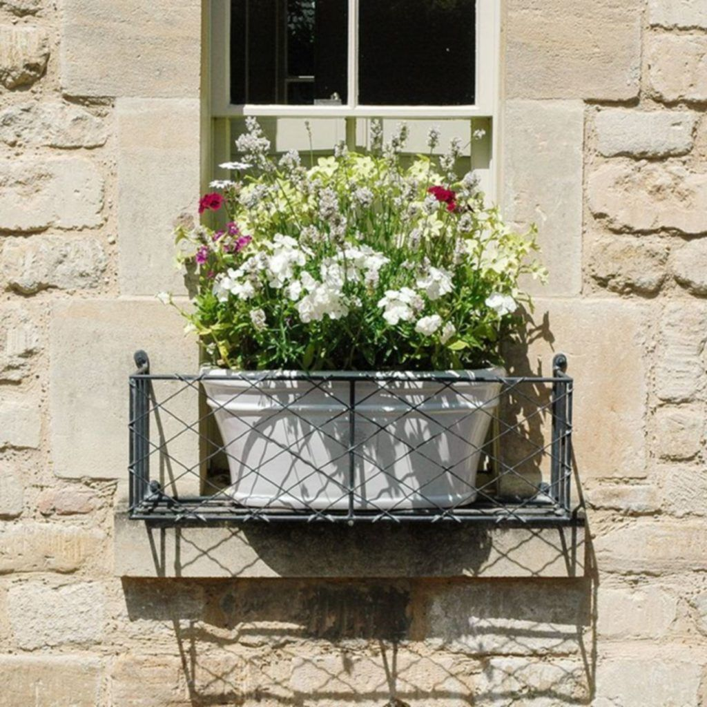 20 Most Creative Metal Window Boxes Design For Flower ...