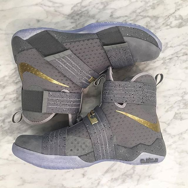 the latest 6077a 091bf The King rocked these Zoom Soldier 10s on opening night. Tap the link in  our bio to find out where to purchase them.  br kicks  SolelySneakers
