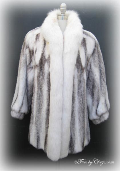 84e4863a4d914 Dior Brown Cross Mink and White Fox Jacket CM699  Excellent Condition  Size  range  8 - 12 Petite. This is an exquisite genuine natural brown cross mink  fur ...