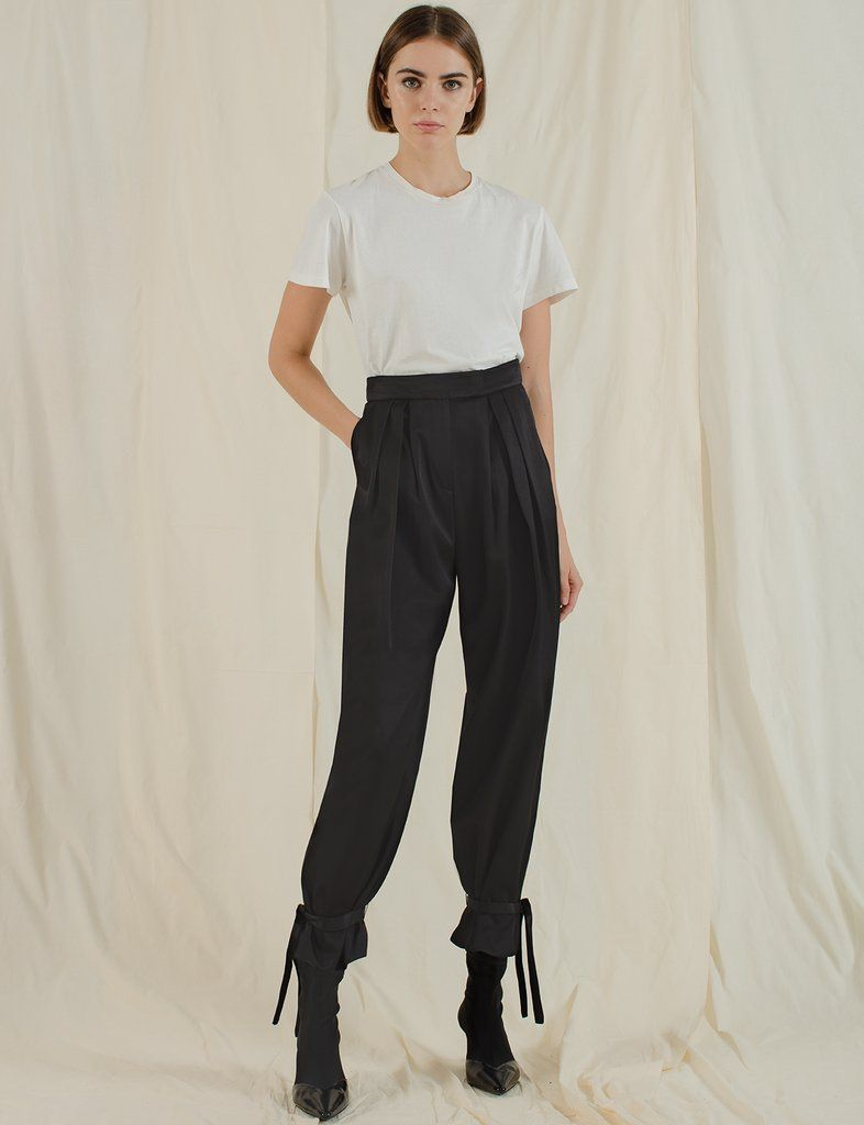 how to cuff pants with a hair tie