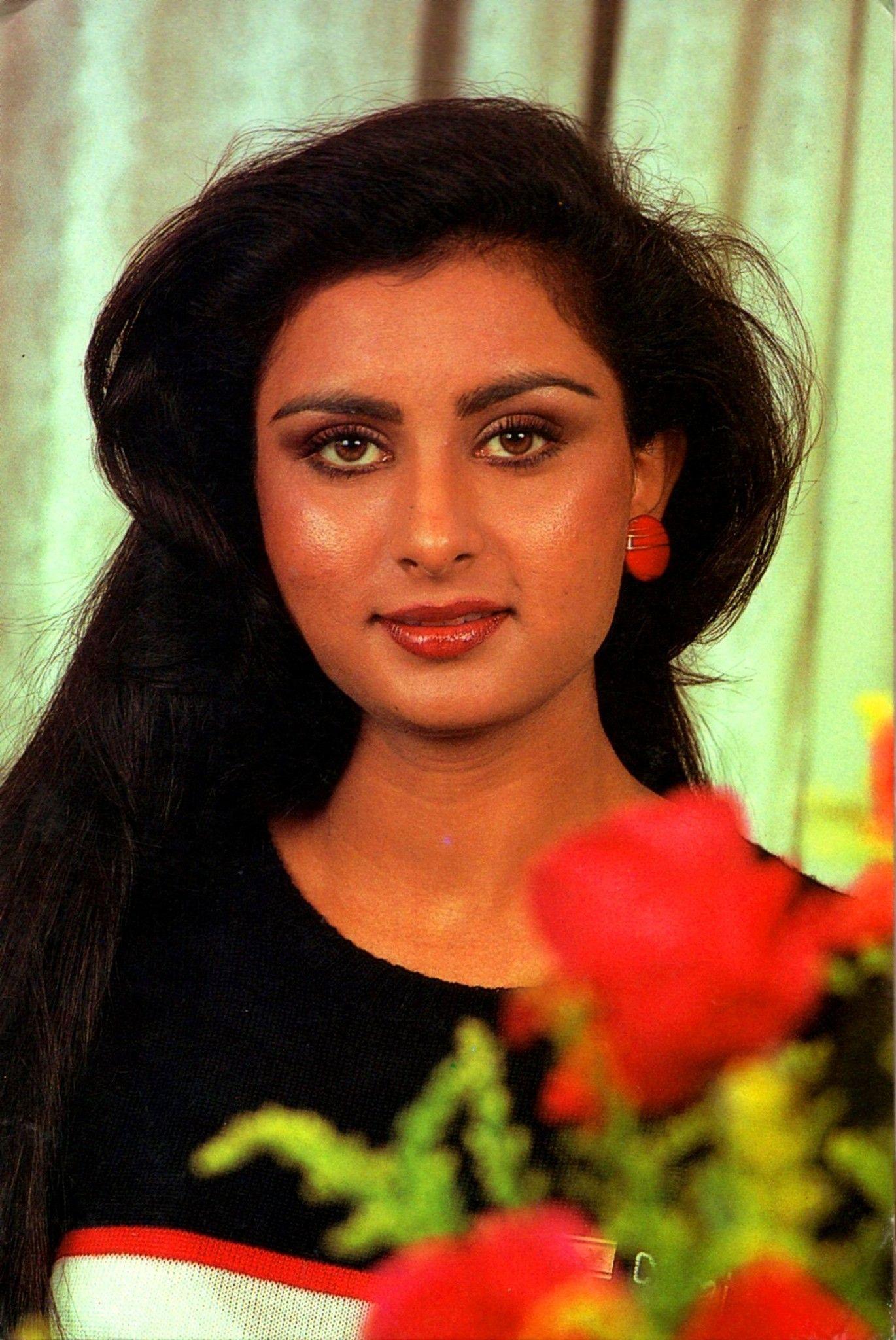 Красная роза индия актер и актриса фото заболеванием