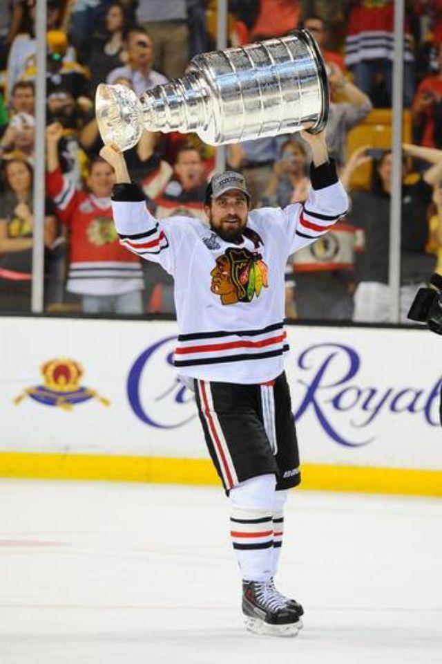 Bryan Bickell Chicago Blackhawks 2013 Stanley Cup Game 6 Tying Goal Photo 8x10
