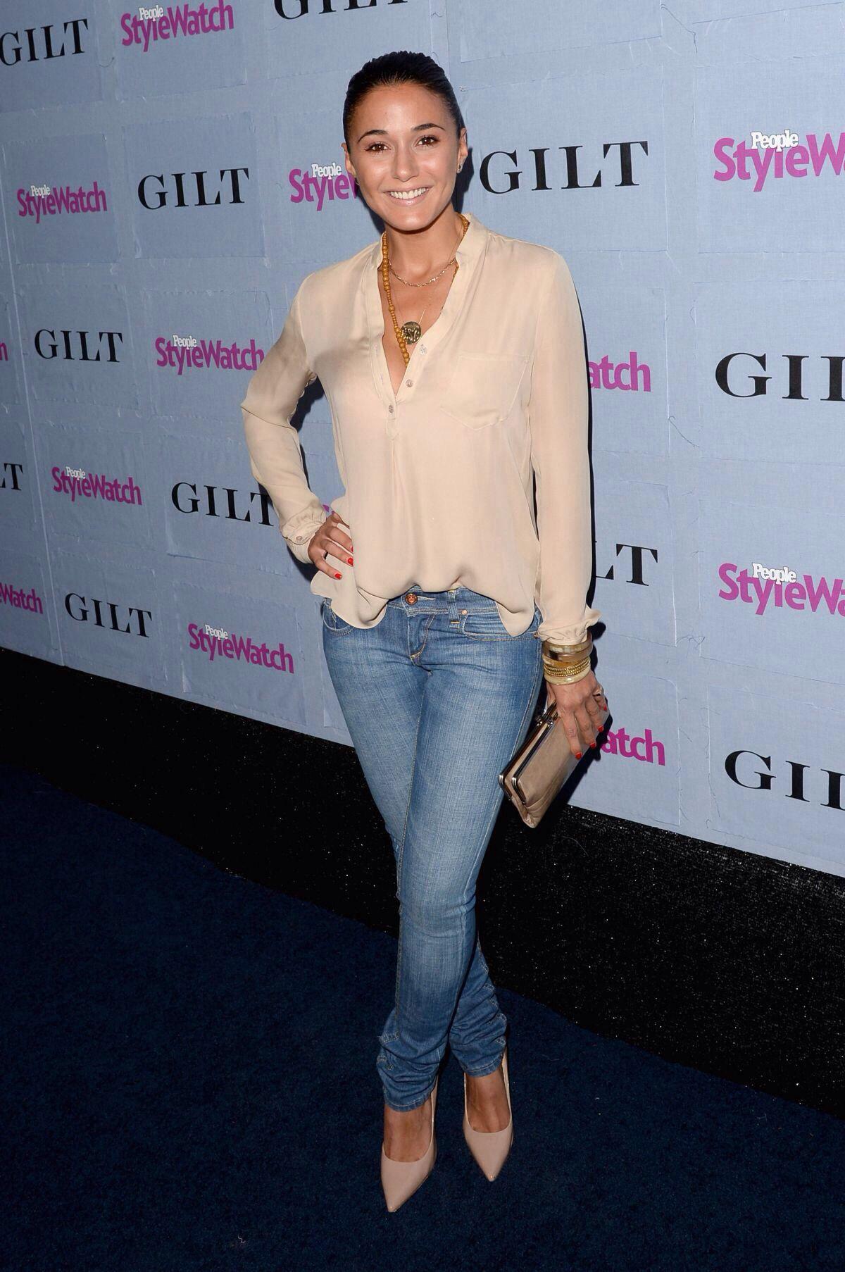 f365eeba2c6 Emmanuelle Chriqui Love the blouse