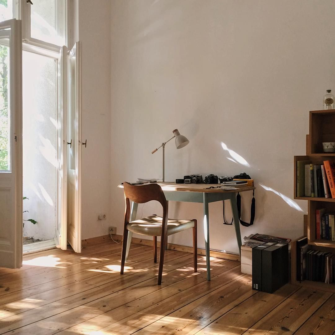 Work space in a Berlin apt photo by Robbie Lawrence Spaces