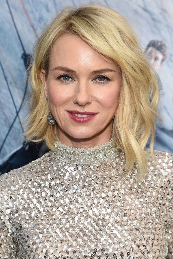 2c5673d5daf Naomi Watts, medium wavy bob haircut, medium bob haircut, bob haircuts for  fine hair, inverted bob with bangs, black hair bobs, black hairstyles bobs,  ...