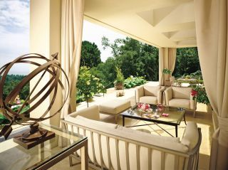 Modern Outdoor Space by Barbara Barry and The Warner Group in Montecito, California