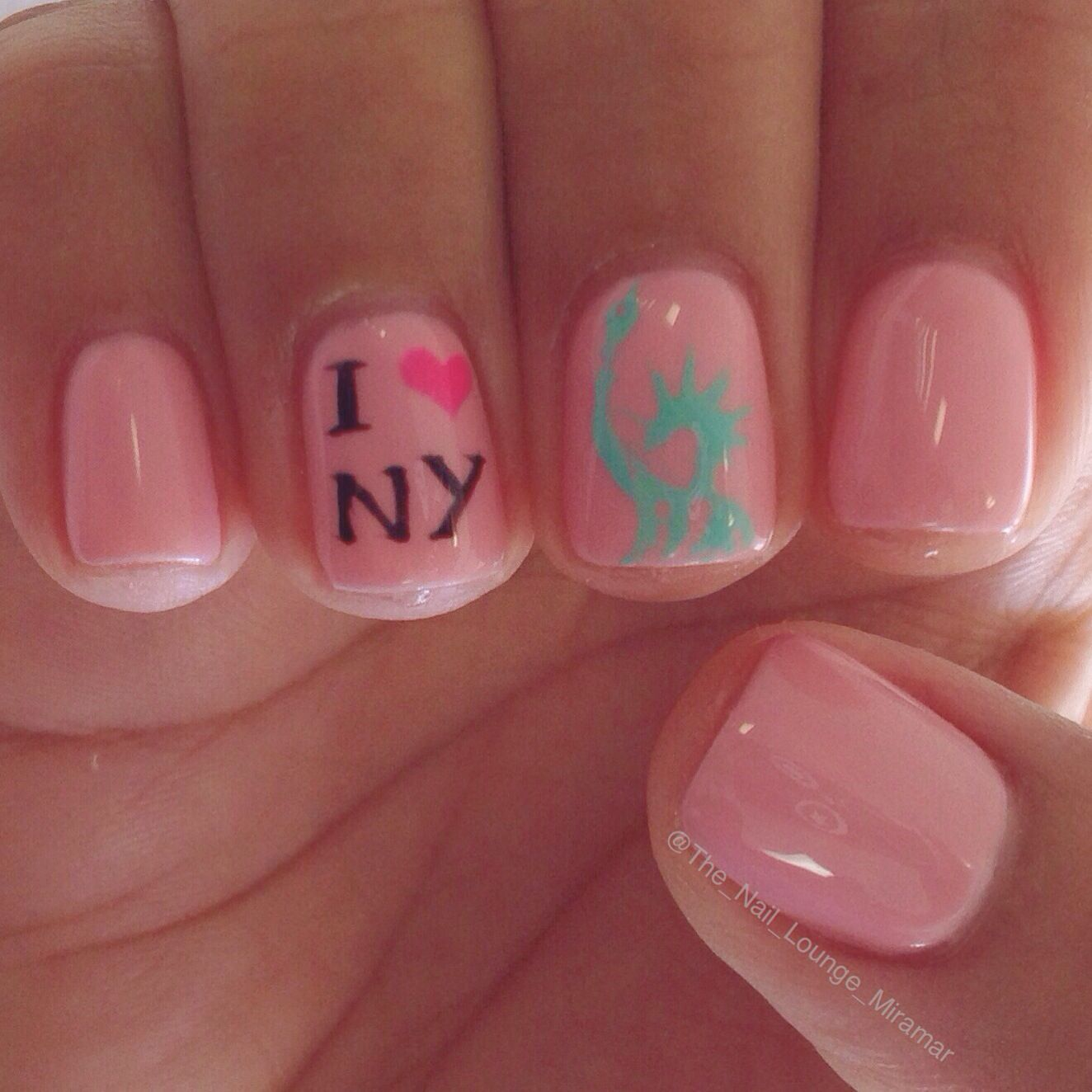 New York Statue of Liberty nail art design | Nail Art | Pinterest ...