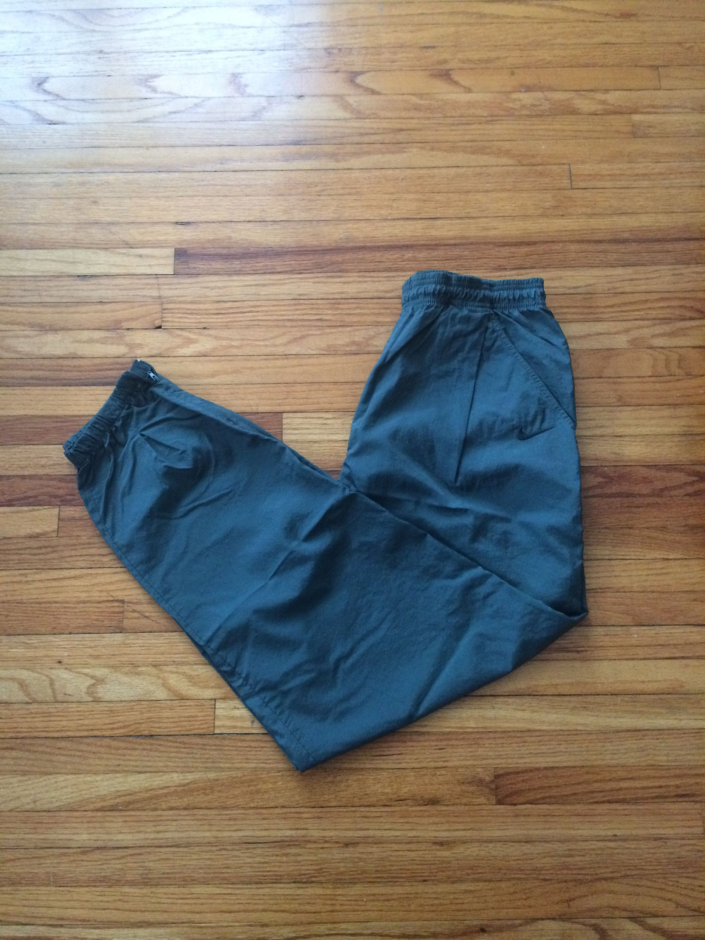 Your Place To Buy And Sell All Things Handmade Vintage Nike Vintage Nike Windbreaker Pants