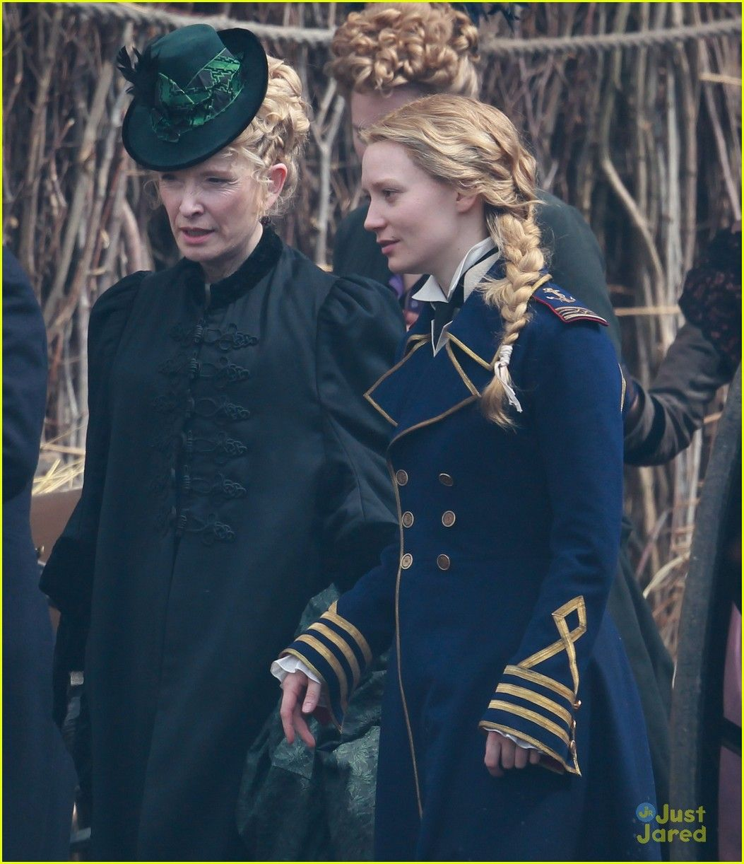 Alice through the looking glass movie set | THE Alice