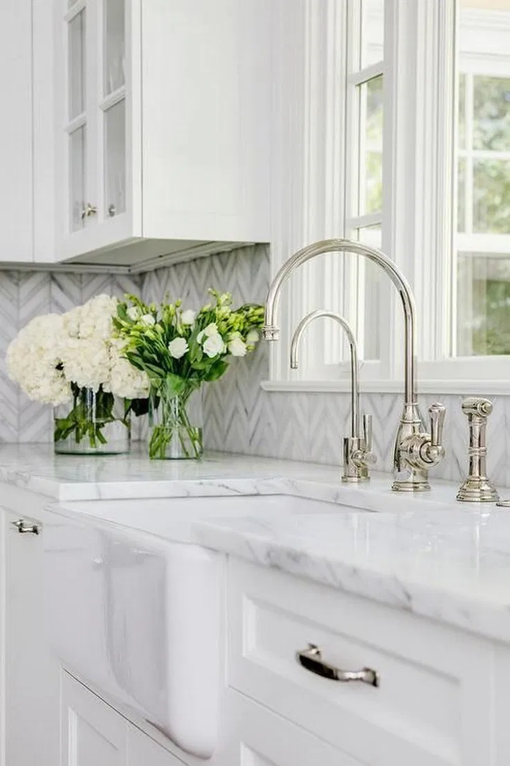 35 Stunning White Kichen Cabinet Decor Ideas With Photos For