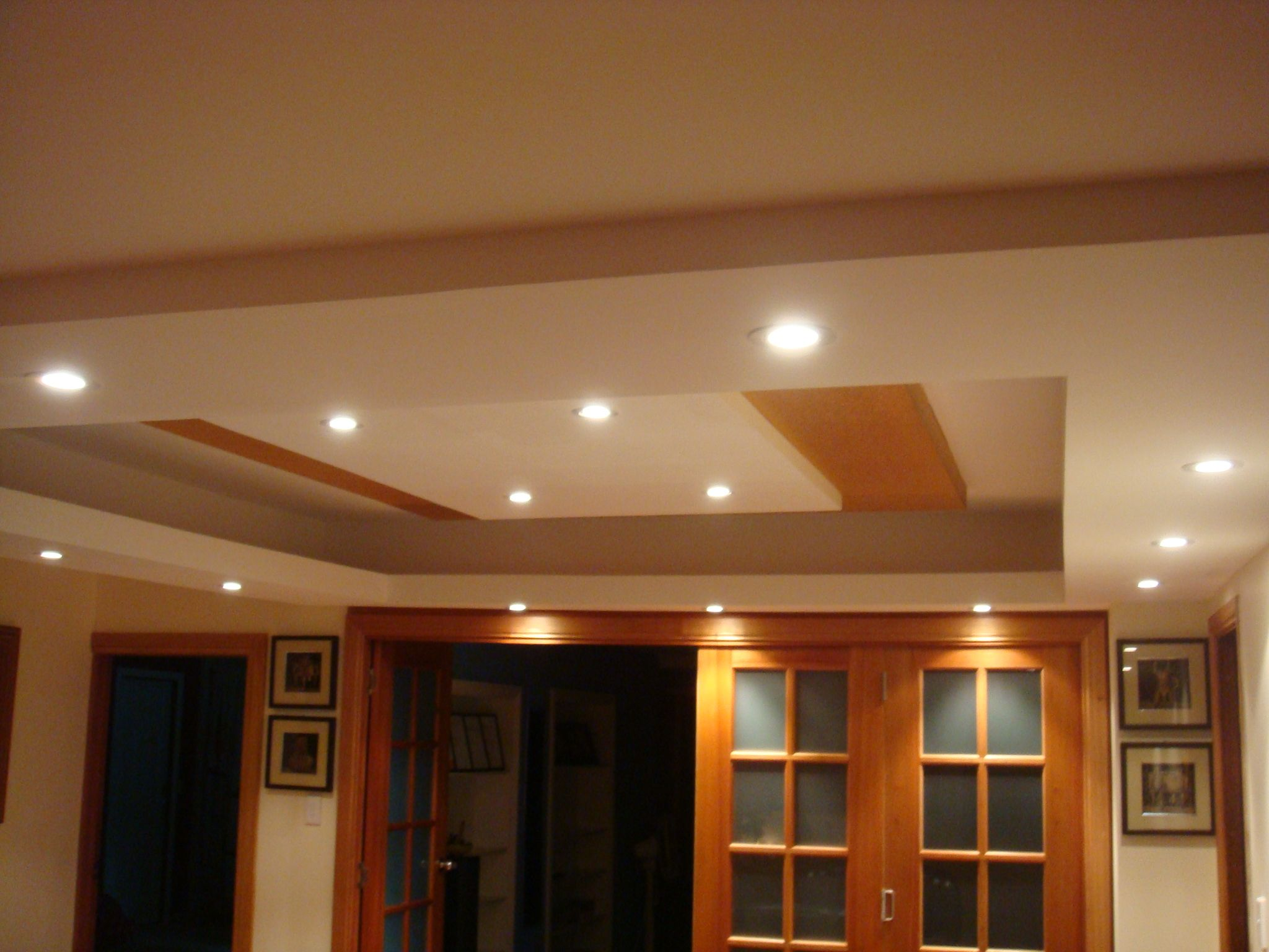 Latest gypsum ceiling designs hall image vectronstudios for Room design roof