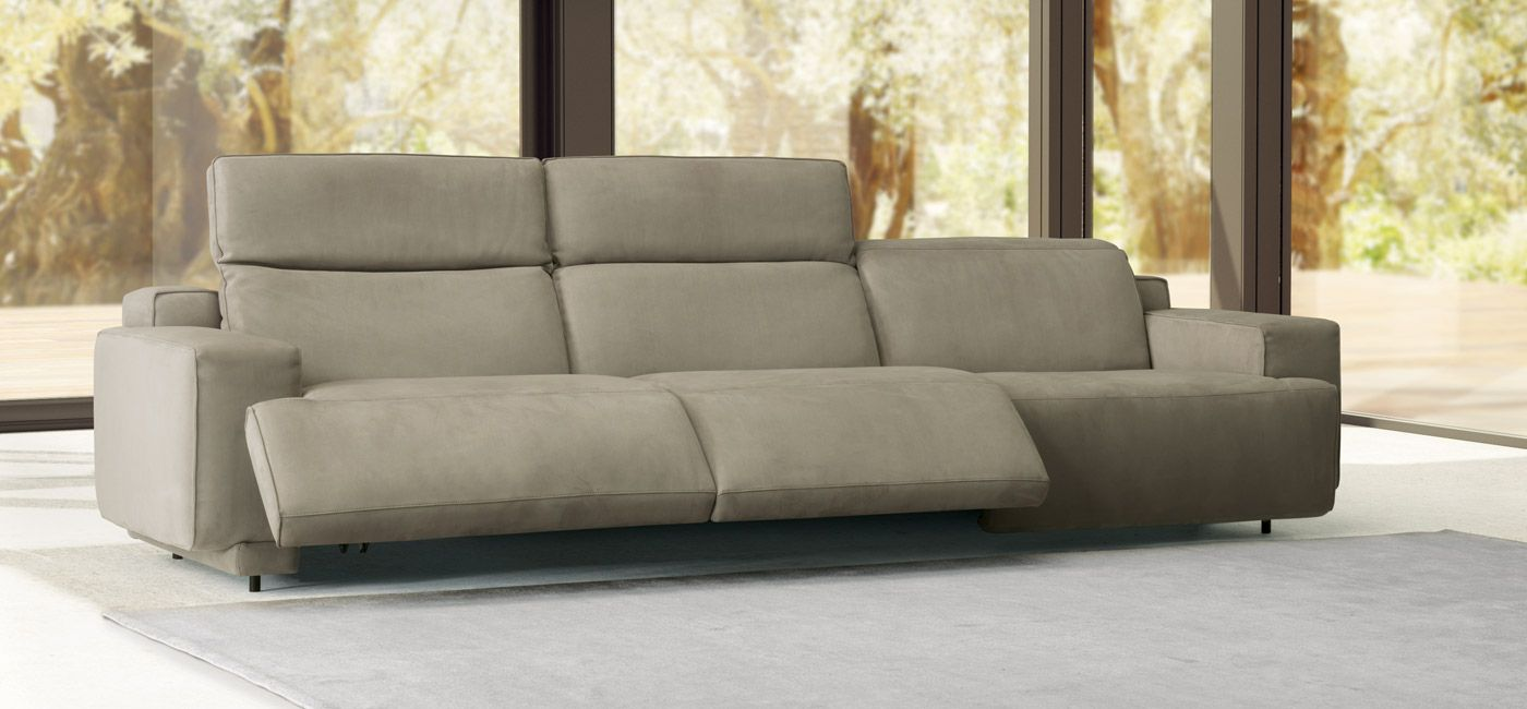 Sofa Natuzzi Electrico A Theatrical Name For A Sofa With Considerable Visual Impact The