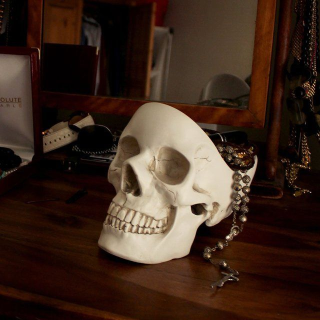 Skull Tidy - Keep your essentials in your head with Skull Tidy. Keys, glasses, phone, watch, loose change, and the contents of your pockets... it can be difficult keeping all these things in mind. Get organized, keep your paraphernalia in a skull, freeing up space in yours. The key to good organization is to keep everything in one place, so stay tidy, fill your head with stuff before you lose it. Designed for holding the things you use every day.