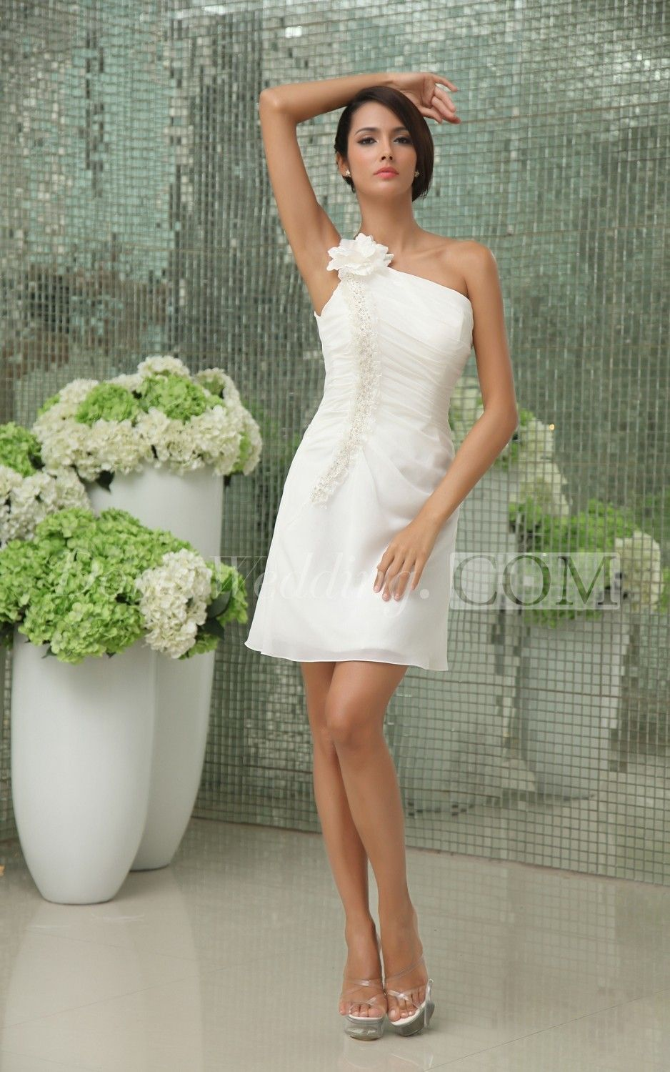 Classic One-Shoulder Short Dress With Flowers