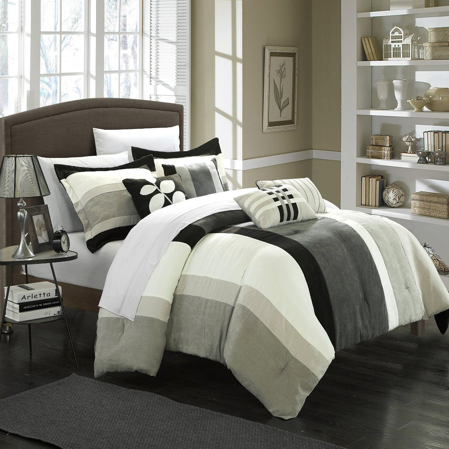 Highland Black Grey Sage f White King 7 Piece forter Bed In A