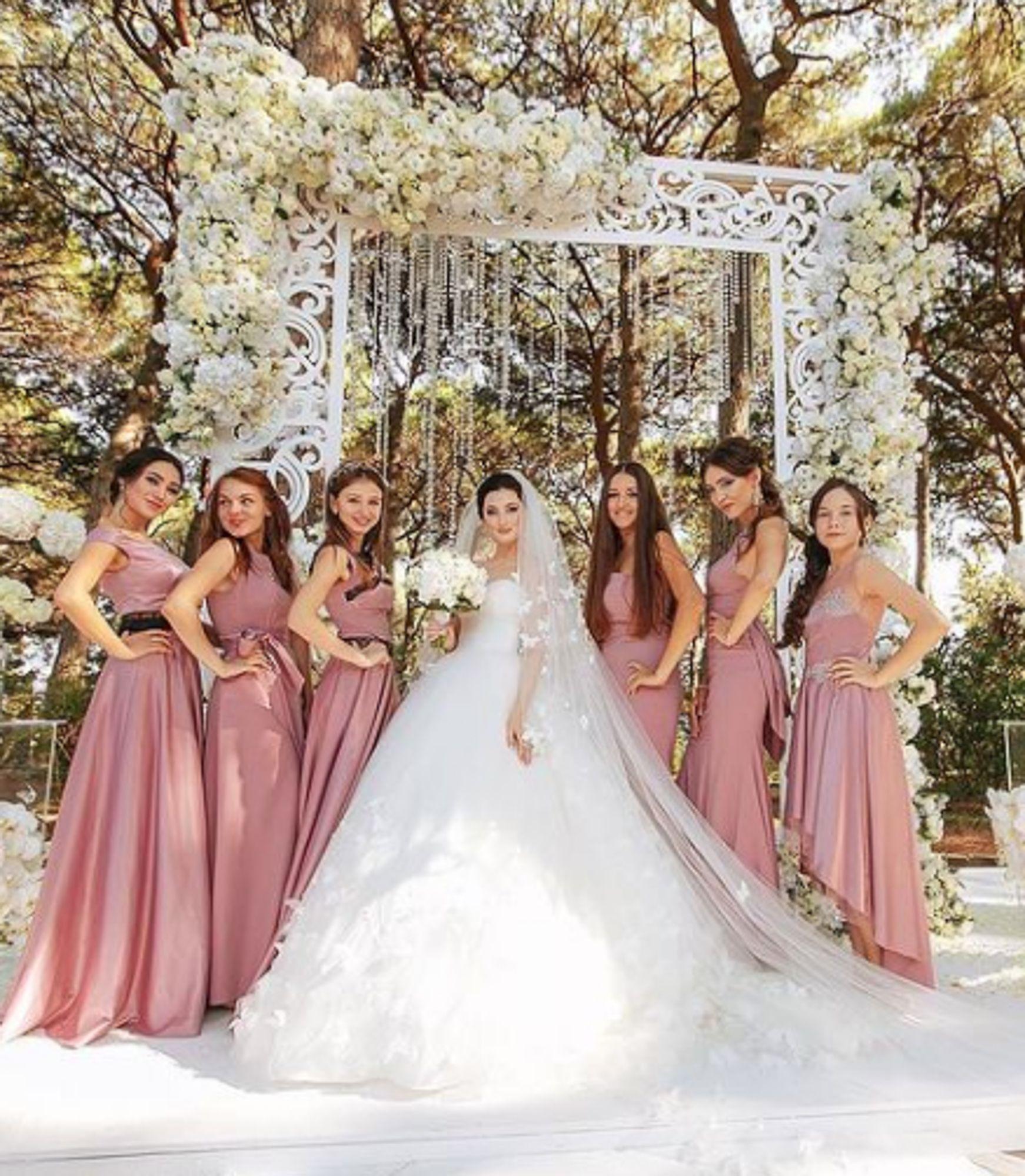 Wedding Planner Bogotá Lo Que Debes Saber Del Organizador De Eventos Vestidos De Novia Planificadores De Bodas Vestidos De Damas De Honor