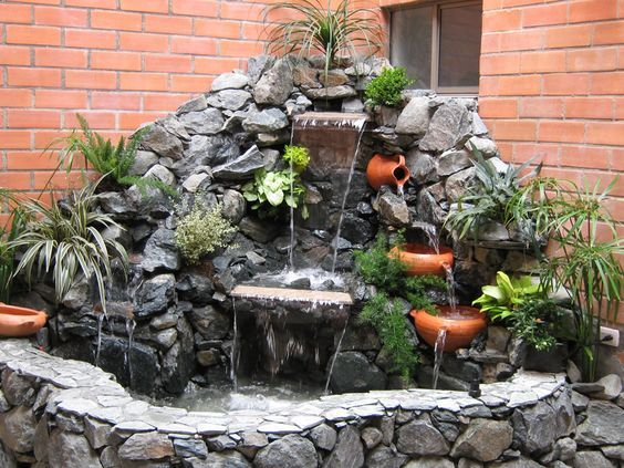 30 ideas para decorar tu jardin con fuentes 6