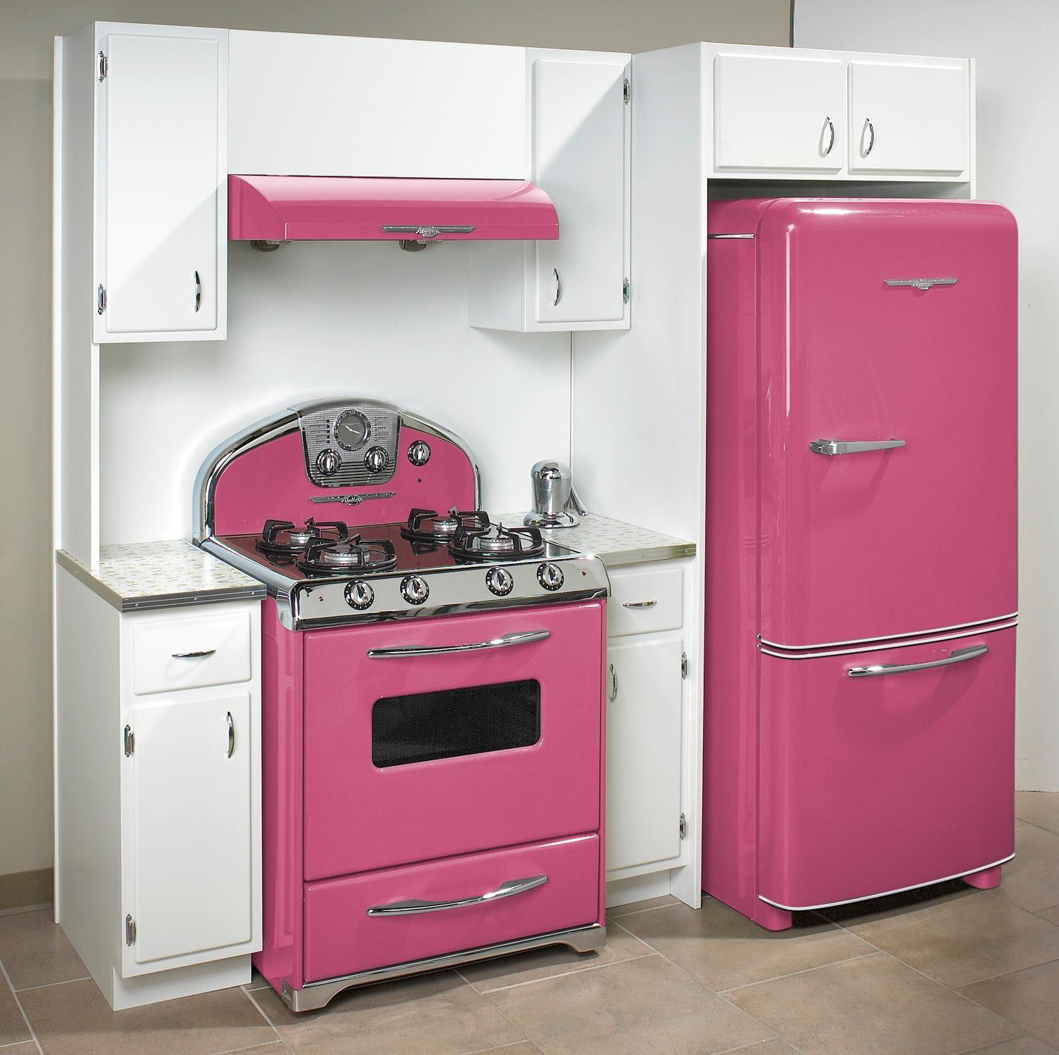 Northstar retro appliances in 39 honeysuckle 39 my world is pink decoraci n de cocina moderna - Cocinas rosa fucsia ...