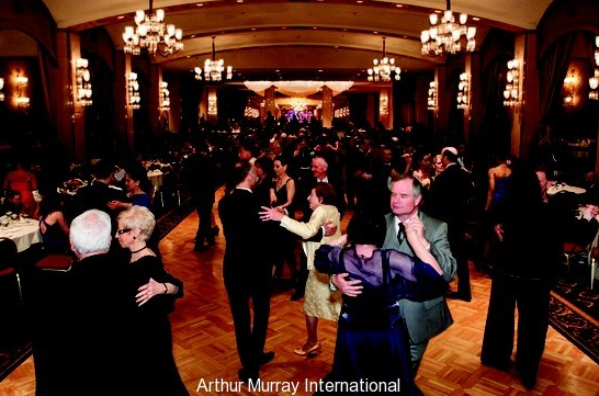 Are you curious as to how you can survive the dance floor at a wedding? Be sure to take a look at our weekly blog article to learn more: http://arthurmurraythebest.com/know-survive-dancing-wedding #wedding #arthurmurray #shermanoaksdance #weddingdance #dancing #dancestudio #californiadancestuido