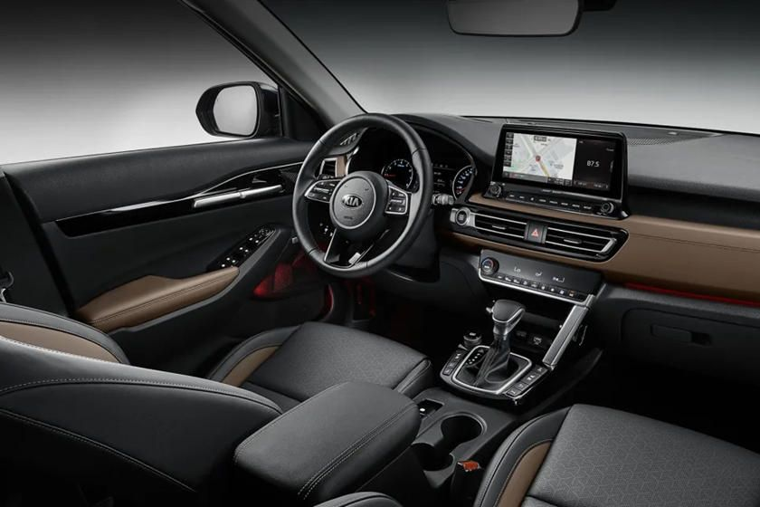2020 Kia Seltos Interior Looks Incredibly Slick Carbuzz In 2020 Kia Compact Suv Small Suv