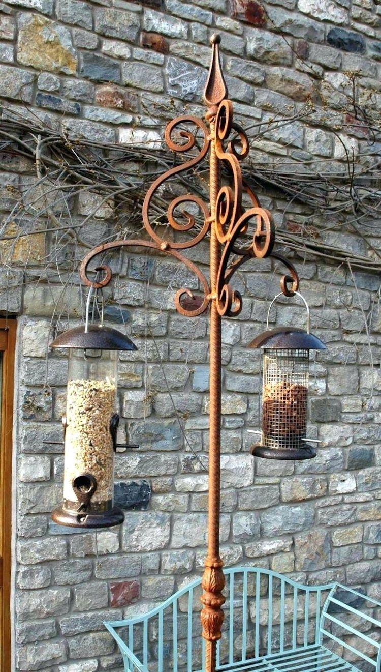 Gartendeko Aus Metall Mit Praktischem Zusatznutzen Vogelfutterstation Garten Deko Rost Deko Garten Gartendeko Metall