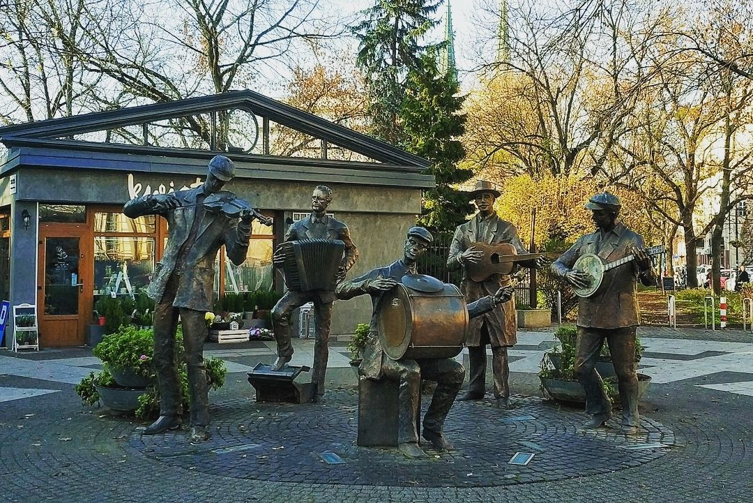#travel #traveling #musictravel #music  #statues #visiting #instatravel #instago #instagood #trip #photooftheday #fun...