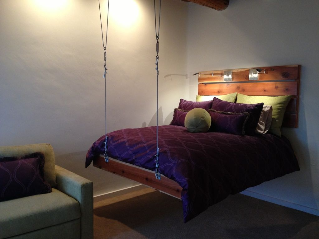 Hanging beds for bedrooms - Rustic Guest Bedroom With Diy Cable Suspended Bed Hanging Bed Carpet Siscovers Medallion