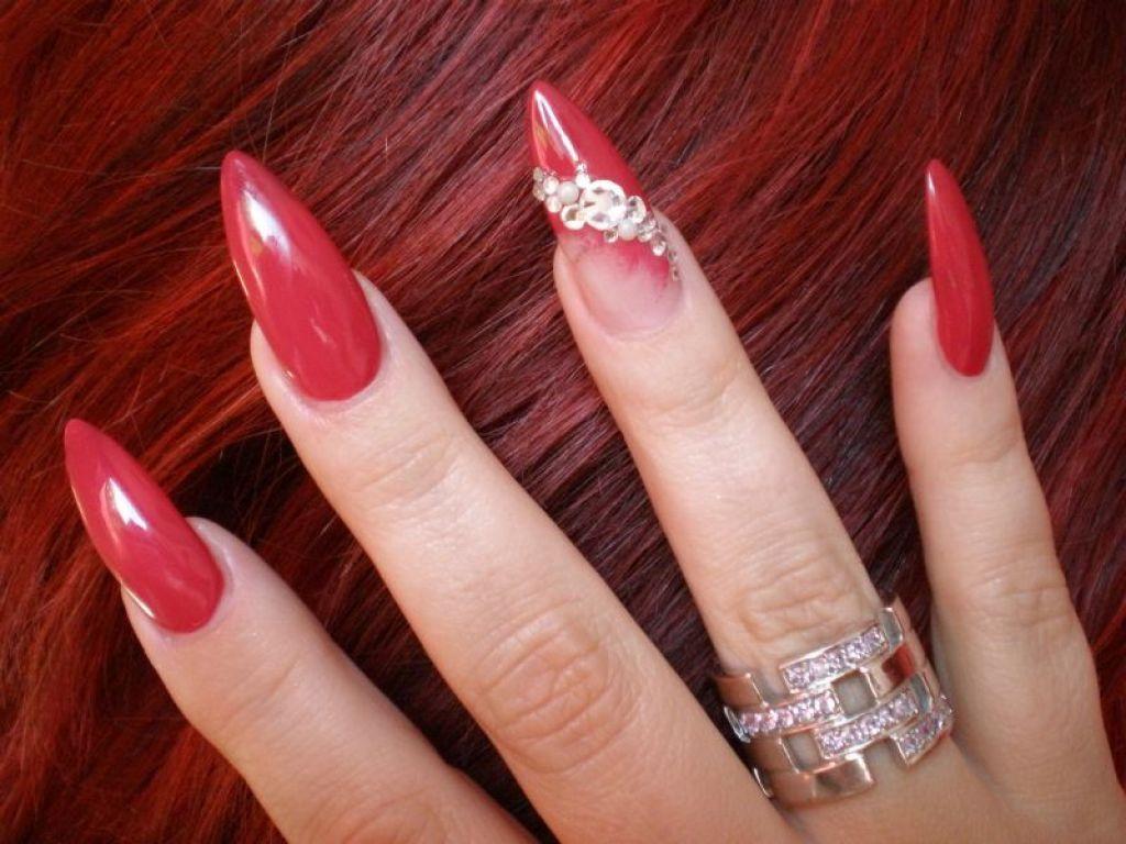 мужчина острые ногти с красным дизайном фото определяйте возраст