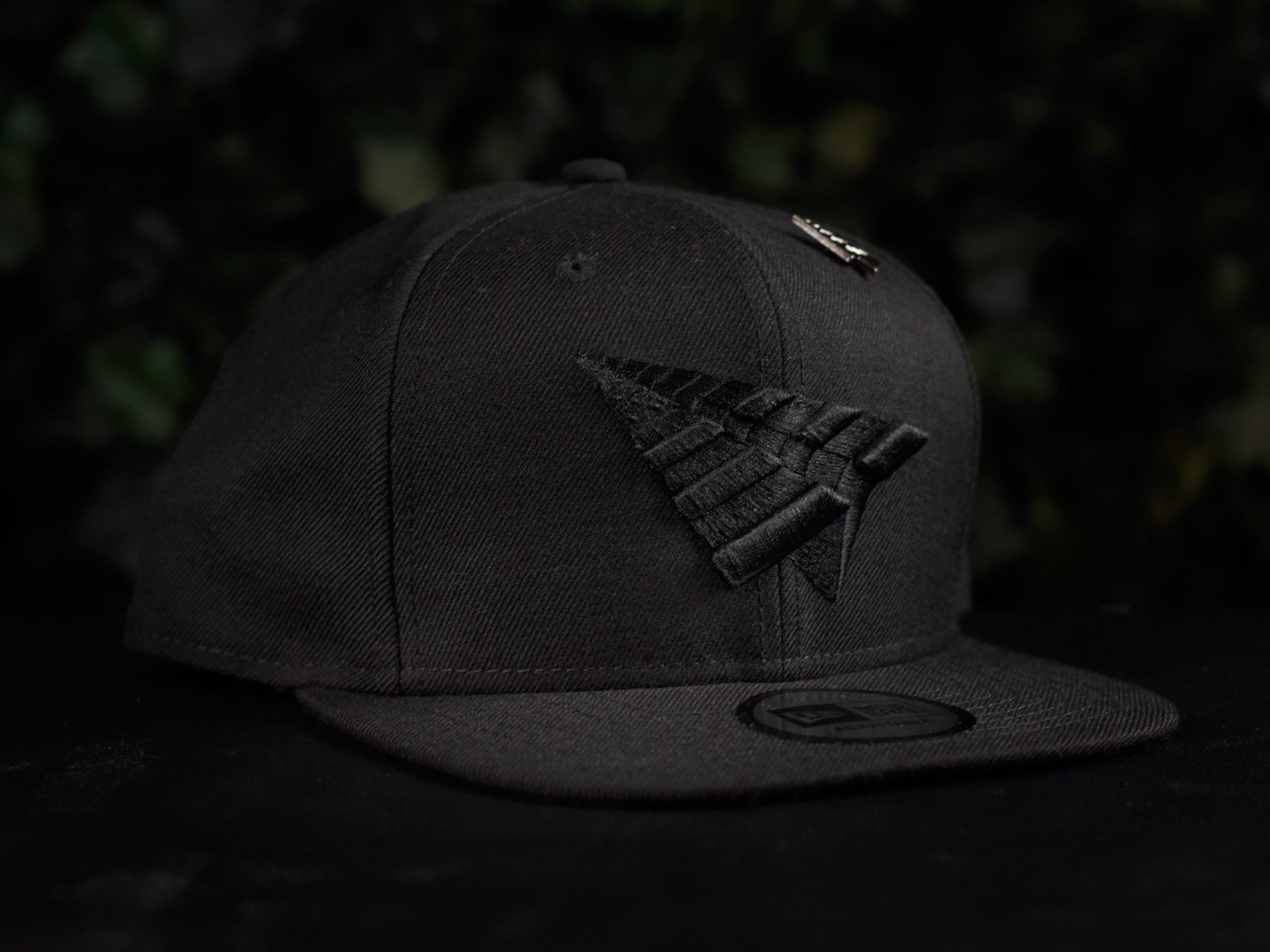 Roc Nation Plane Icon Hat  RN0015H03-BLK   2b9bc376e28