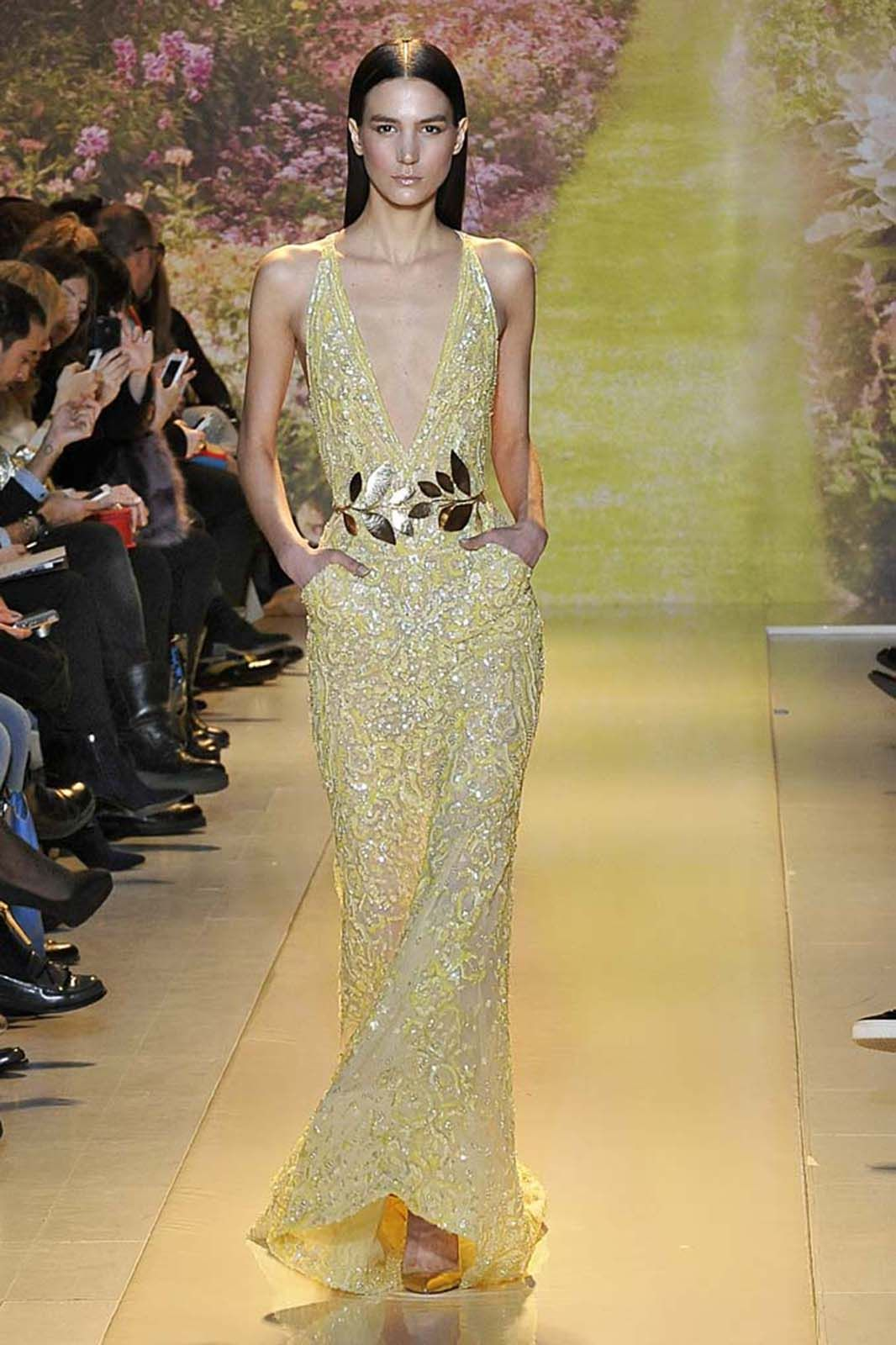 We think Amy Adams will wear: a deep-V-neck gown.  This Zuhair Murad couture dress is simply cut but anything but basic.