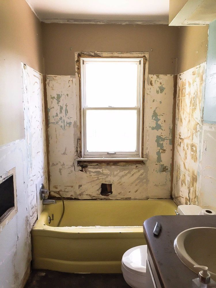 How To Paint A Bathtub Easily & Inexpensively