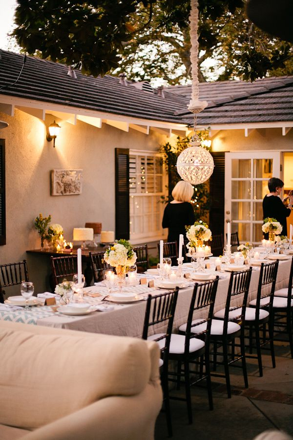 Very chic, and intimate backyard wedding. | Outdoor dinner