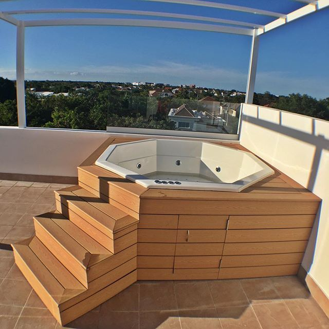 Jacuzzi exterior 2 2 buscar con google small house for Jacuzzi exterior enterrado
