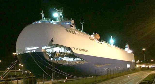 Collision between car carrier city of rotterdam and ro ro for Jet cars rotterdam opgelicht