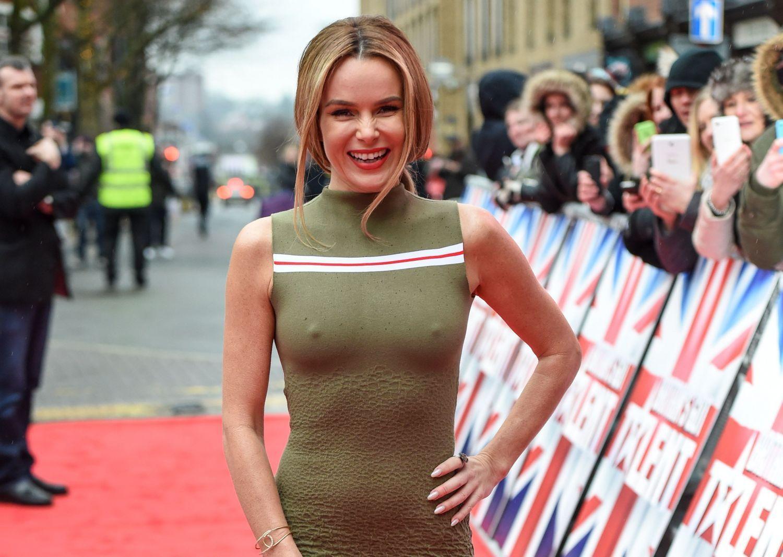 Sexy Pics Of Amanda Holden At Britain S Got Talent