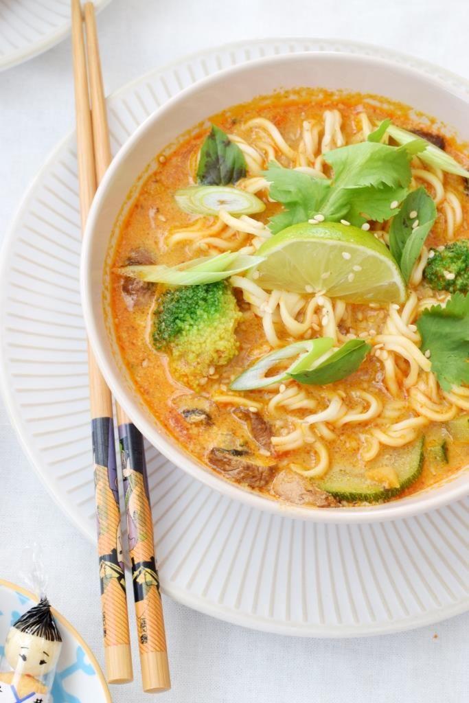 Einfach himmlisch gesund – Rezept für eine Thai-Suppe, ein Kochbuch-Tipp von Herzen und eine Verlosung