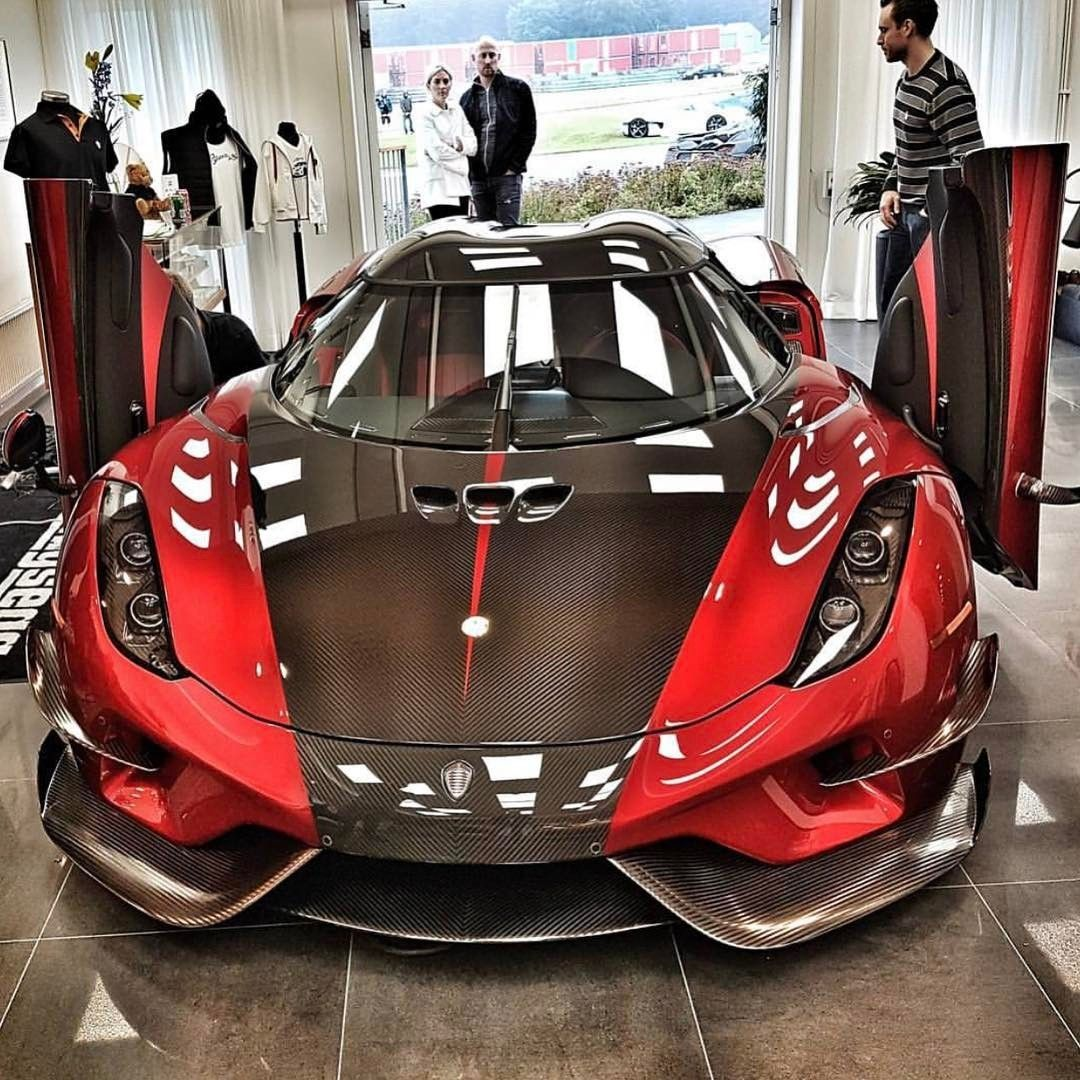 Keoningseeg Super Sport Car