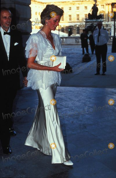 July 5, 1990: Princess Diana at the Courtauld Gallery in London. Photo by Dave Chancellor-alpha-Globe Photos