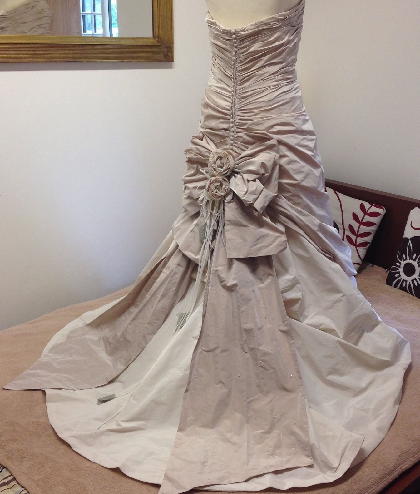 Ian Stuart Florence Wedding Dress Size 14 16 Antique Pink Swarovski In Clothes Shoes Accessories Weddi Wedding Dresses Size 14 Wedding Dresses Ebay Dresses