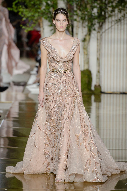 Veja todos os looks do desfile do estilista em Paris