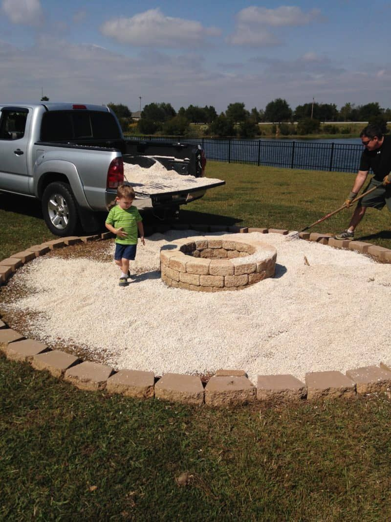 Photo of DIY FIRE PIT MAKEOVER WITH PEA GRAVEL AND PAVERS #diyfirepit, #firepit