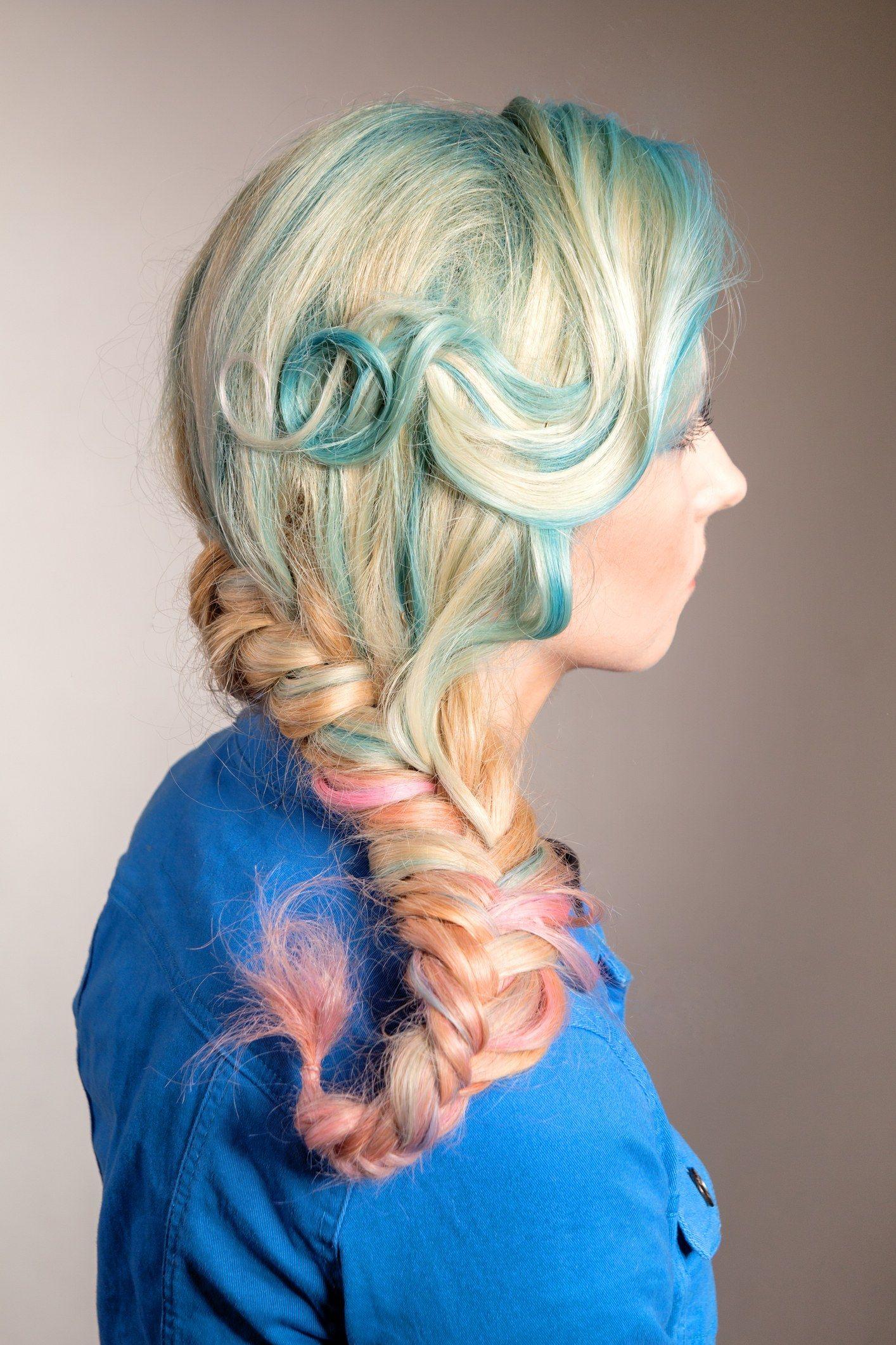 Woman Chemically Burns Her Scalp After Botched Diy Unicorn Dye Job Dyed Hair Hair Beauty Unicorn Hair