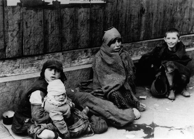 Children in the Warsaw Ghetto | Art / Photography | Pinterest ...