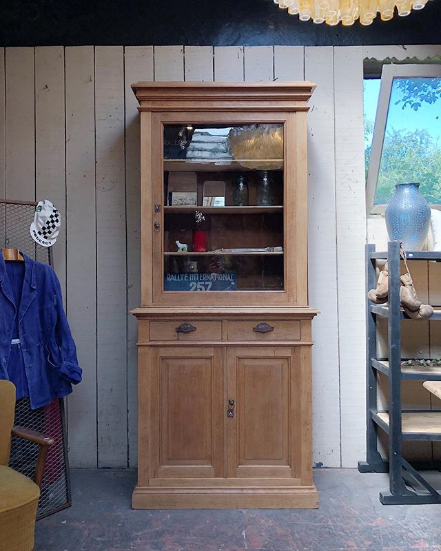 Pin By Machachat On Mobilier Home Decor China Cabinet Decor