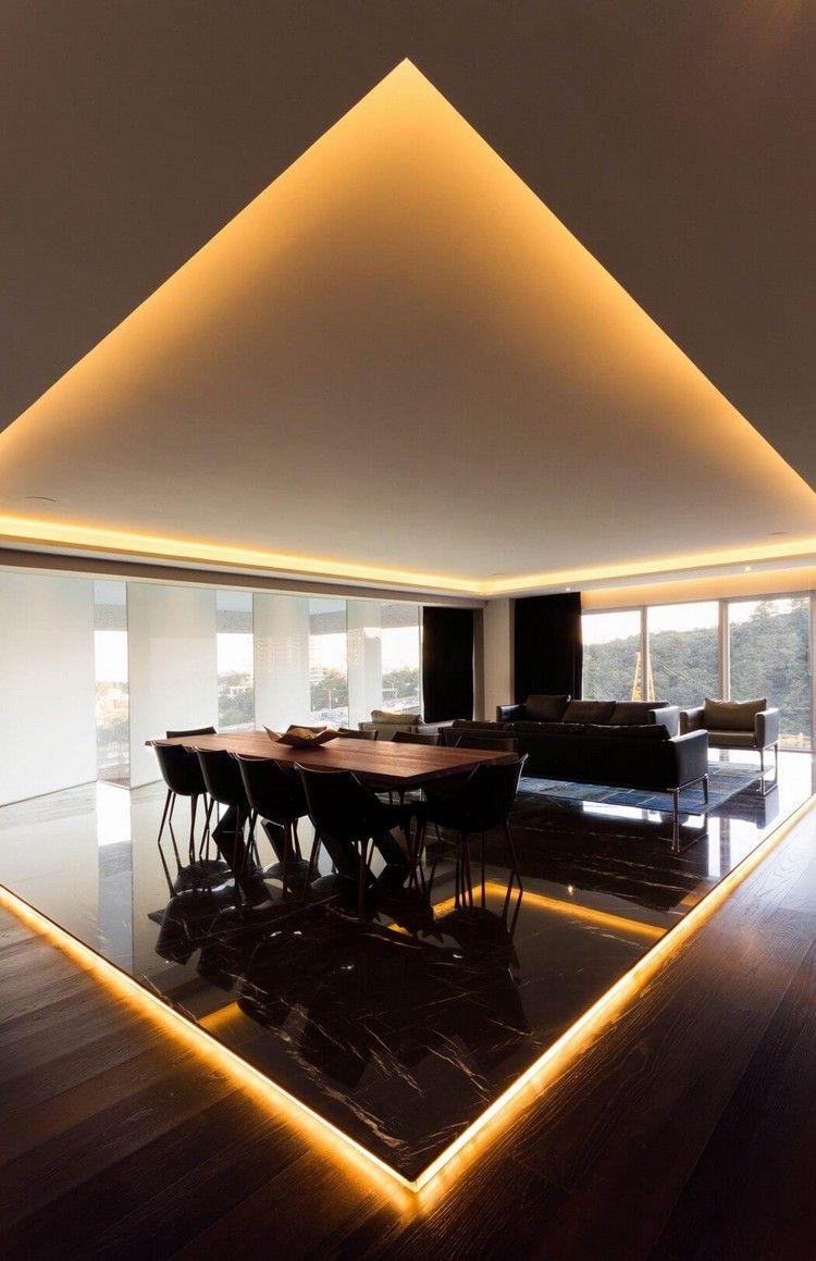 Ess Und Wohnzimmer Mit Boden Und Deckenbeleuchtung Haus Bzw